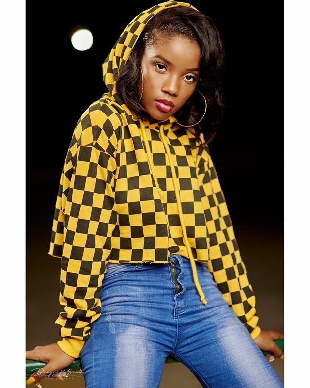 When @joan_kenzieee busseth a pose for my camera :D. Twas indeed a fun day. . . . .  #portrait #portraitphotography #caribbeanportrait #motegobay #jamaica #skatingrink #model #modelbehavior #dwayneksmithphotography #dksp #jamaicanphotographer #jamaicanpo… https://t.co/nCCXDfvt5T https://t.co/cAzHspNuwz