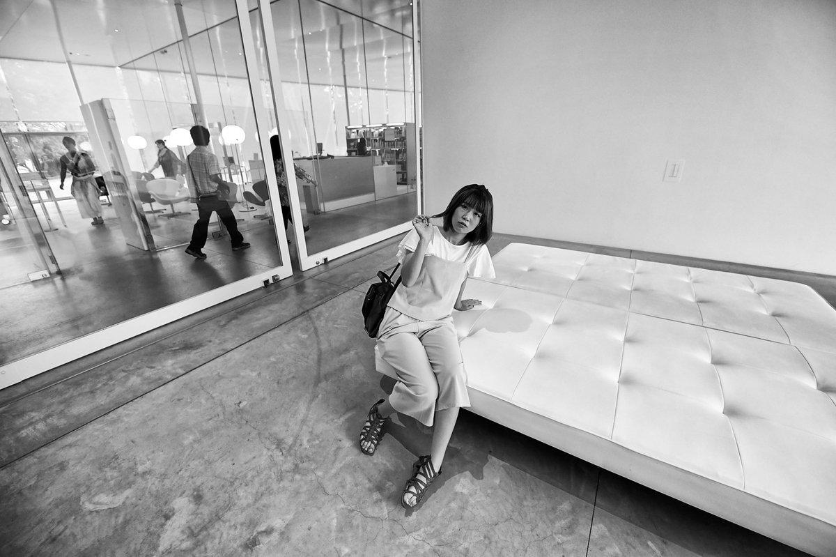 世界的に有名な金沢21世紀美術館にて。誰かここで撮らせていただけませんか?  #instapic #金沢 #portraits_universe #ポートレート専科 #portraitphotography #ポートレート好き #東京カメラ部 #ポトレ #モデル募集 #ポートレートモデル #ポートレート #ポートレート部 #ポートレートモデル募集