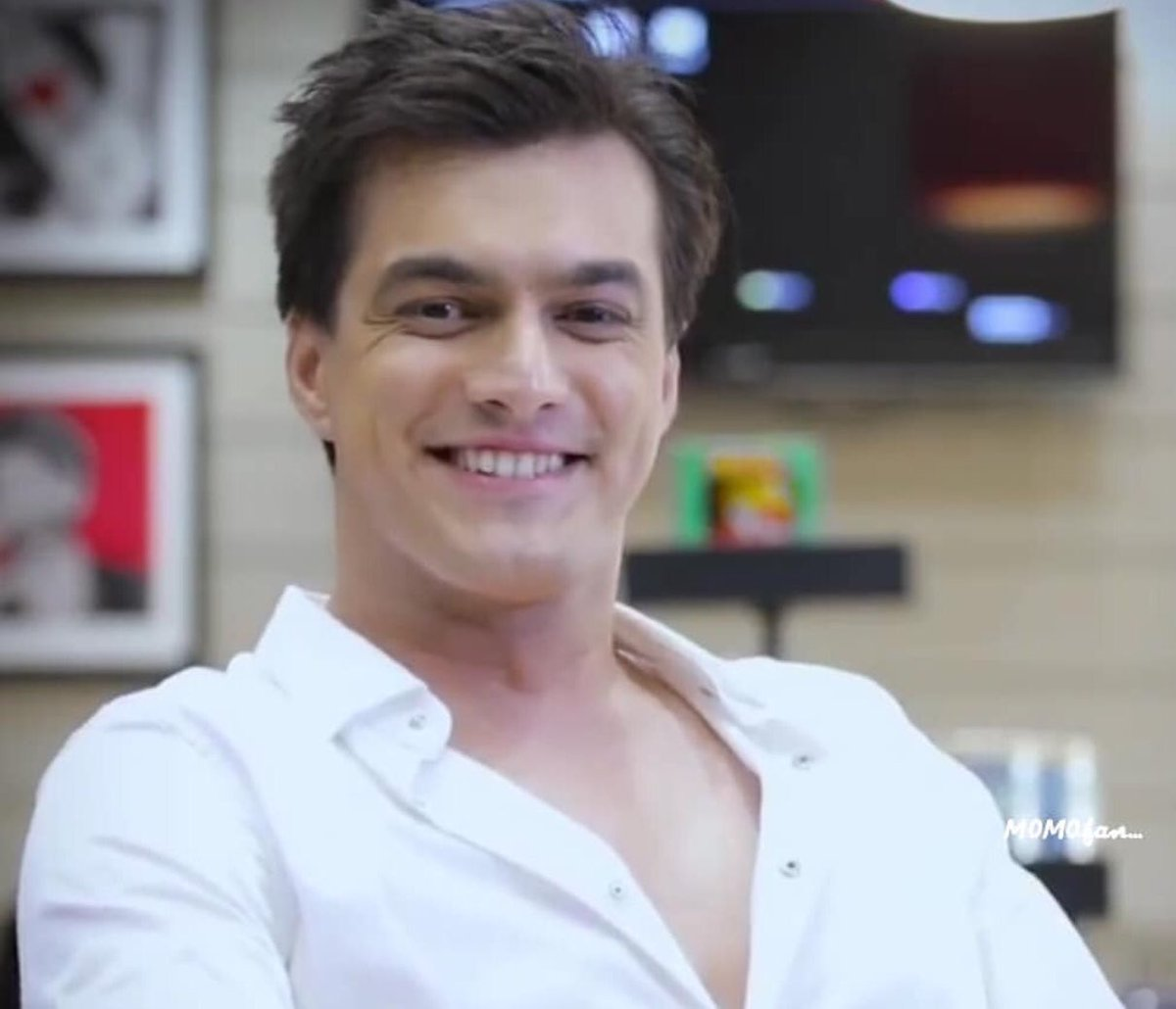 There Are millions of Stars in the Sky but YOU are The BRIGHTEST & MY FAVOURITE forever  Keep Shining & Keep Smiling like this Forever because Shiny Smiley Stars are the BEST   @momo_mohsin #MohsinKhan #KartikGoenka #yrkk <br>http://pic.twitter.com/AFItJxzspZ