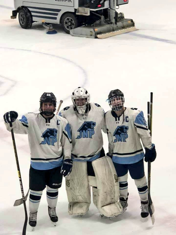Representatives of Johnston/North Providence/Tiverton Hockey Co-op playing in All-Star Game today. pic.twitter.com/nwtOlgyoi2