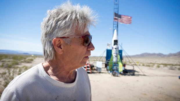 'Mad' Mike Hughes, who wanted to fly to space to see if Earth is round, dies in rocket crash https://www.ctvnews.ca/sci-tech/mad-mike-hughes-who-wanted-to-fly-to-space-to-see-if-earth-is-round-dies-in-rocket-crash-1.4824029?taid=5e53192fee23af0001323b43&utm_campaign=trueAnthem%3A+Trending+Content&utm_medium=trueAnthem&utm_source=twitter…