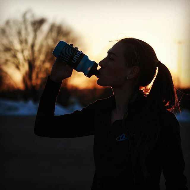 """""""Drinking in"""" this beautiful evening at the track with my @nuunhydration. @atozrunning . . . . . . . . . . . . . . . #nuunlove #teamnuun #nuunambassador #nuunlife #olympictrials #olympictrialsmarathon #recovery #hydration #fitness #run #running #run…  https:// ift.tt/2SRUT7z    <br>http://pic.twitter.com/3nQmrSWKvm"""