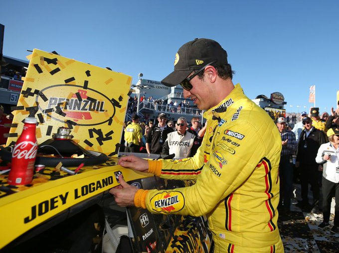 Logano repeats as Pennzoil 400 winner at Las Vegas