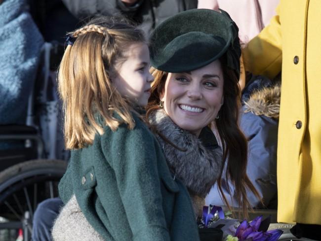 イギリスのポッドキャスト『HappyMum,HappyBaby』に出演し、出産や子育ての体験談を語ったキャサリン妃。花の香りをかぐシャーロット王女を例に挙げ、親として、ほんのささいな瞬間がかけがえのな... https://www.excite.co.jp/news/article/Crankin_7405101/…pic.twitter.com/loa3VGtsNK