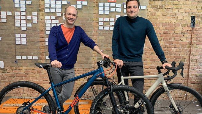 Heute bei uns zu Gast: Marcus Diekman, CEO von @ROSEBikes! Der Fahrradhändler steckt mitten im Transformationsprozess zum online first Omnichannel-Anbieter. Fährt bei uns. Fährt bei Rose.Podcast folgt !#Onlinefirst #Rose #rosebikes #MarcusDiekmann #MitdemRadzurArbeitpic.twitter.com/QxCXTgakDG