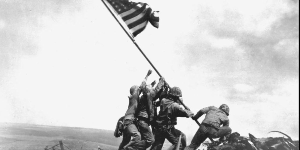 #US Marines raised American flag over Iwo Jima 75 years ago  | Read more: https://at.wftv.com/2wytIpJ pic.twitter.com/v9aQqOtCz6