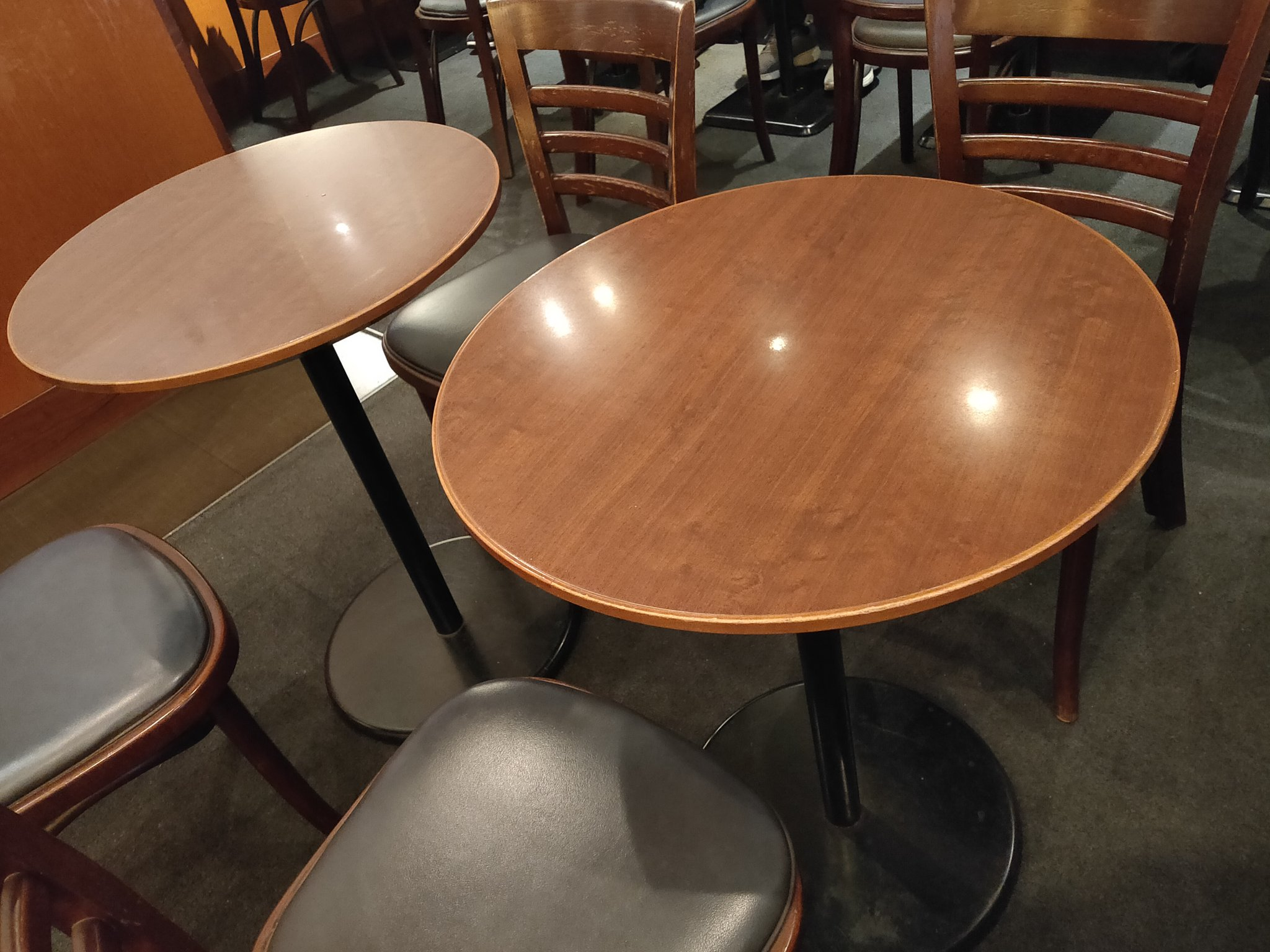 サンマルクカフェテーブル
