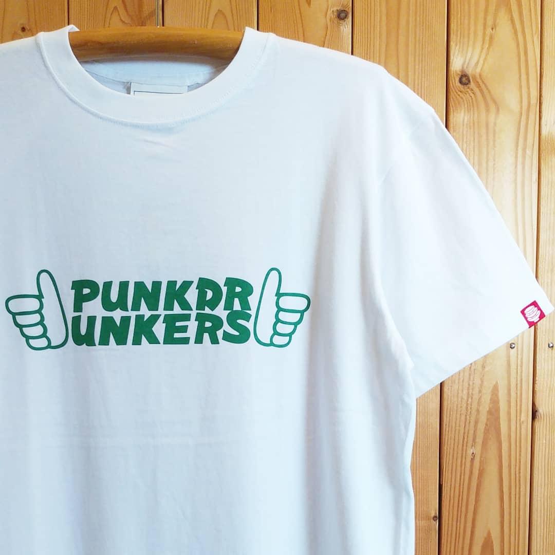 PUNK DRUNKERS UN COOL IS COOL  89F S/S Tシャツ 4400yen (+tax)  #punkdrunkers #uncooliscool #PDS #パロディ #Tシャツ #2020SS pic.twitter.com/X11JyNtvsv