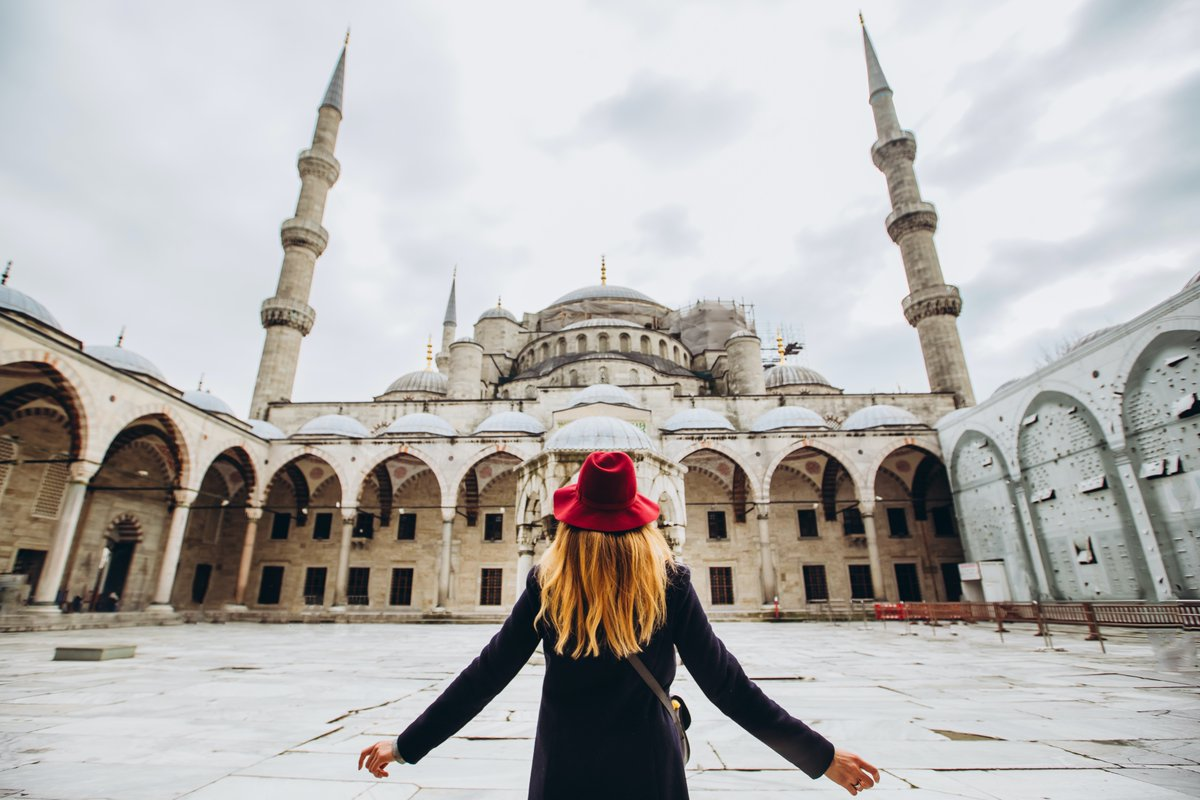 The Blue Mosque 🕌 🇹🇷 ~ ~ #holidays #travel #seek #explore #travelseekexplore #travelblogger #travelphotography #travelgram #vacation #vacay #wanderlust #wander #doyoutravel #travelmore #roamtheplanet #l4l #igdaily #f4f #turkeytour #turkey #istanbul