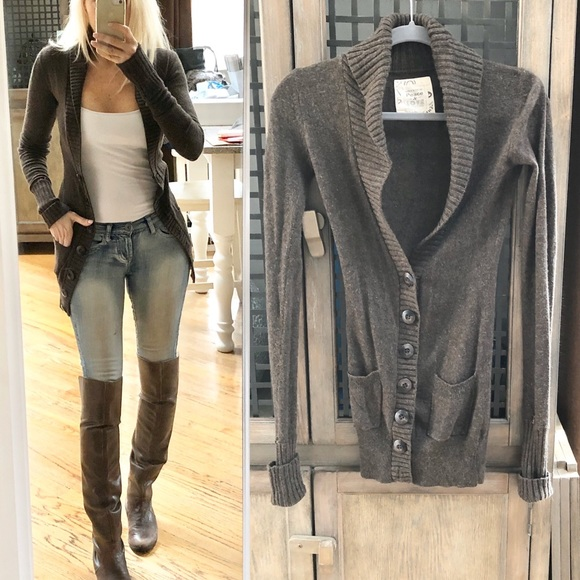 So good I had to share! Check out all the items I'm loving on @Poshmarkapp from @biglo1535 #poshmark #fashion #style #shopmycloset #urbanbehavior #twobyvincecamuto #ralphlauren:
