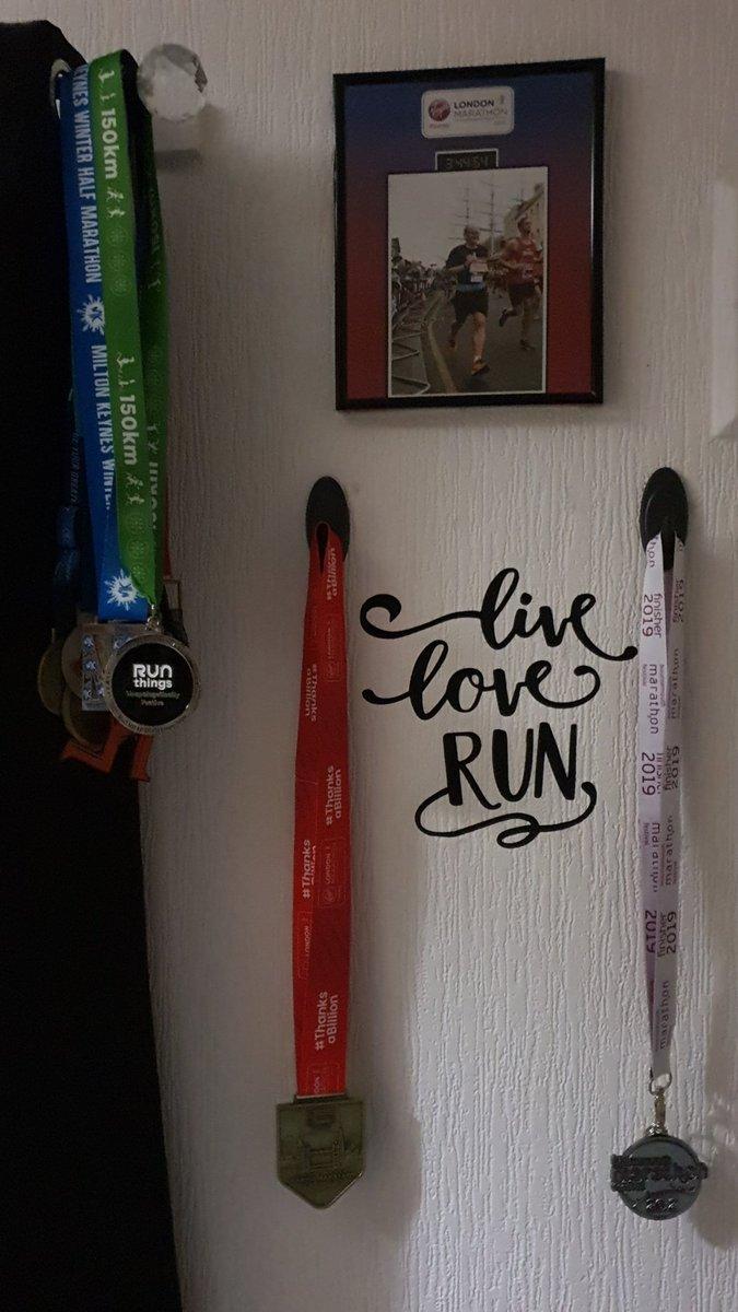 Medal Monday! #liveloverun #running #runningmotivation  #runhappy #runninginspiration #anythingispossible #medalmondaypic.twitter.com/uSxPEzzhiv