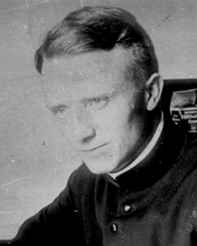 Heute ist der 72. Todestag von #FranzStock (* 21.09.1904 in Arnsberg-Neheim; † 24.02.1948 in Paris) - ein Wegbereiter der Deutsch-Französischen Freundschaft https://franz-stock.org/gedenktagpic.twitter.com/CtiFwF1FgJ