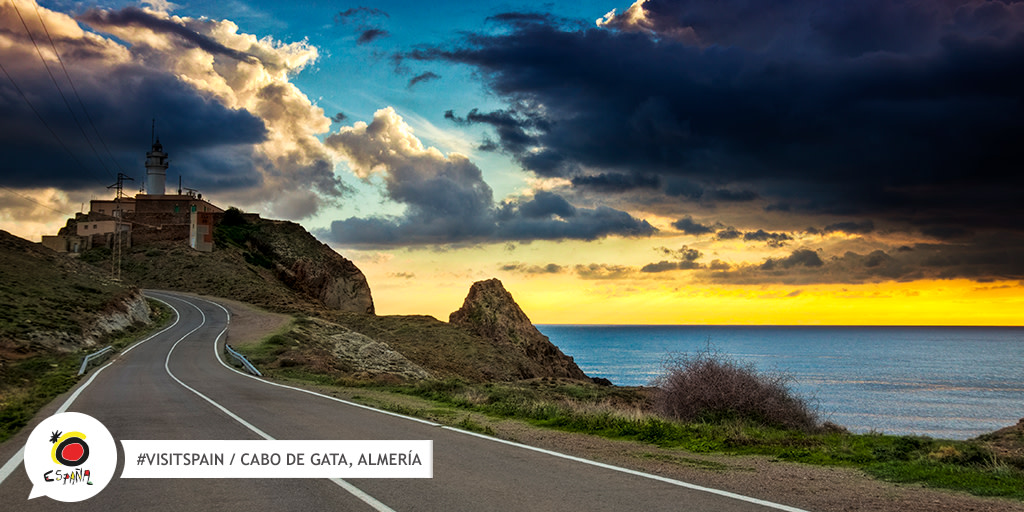 Start the engine, hit the gas and let the purr of your #motorbike 🛵 take you through the roads of #Andalucía. Can you think of a better way to tour landscapes like this?  👉 http://bit.ly/2UFtNSM   #VisitSpain #LiveSpain #SpainExperience @viveandalucia