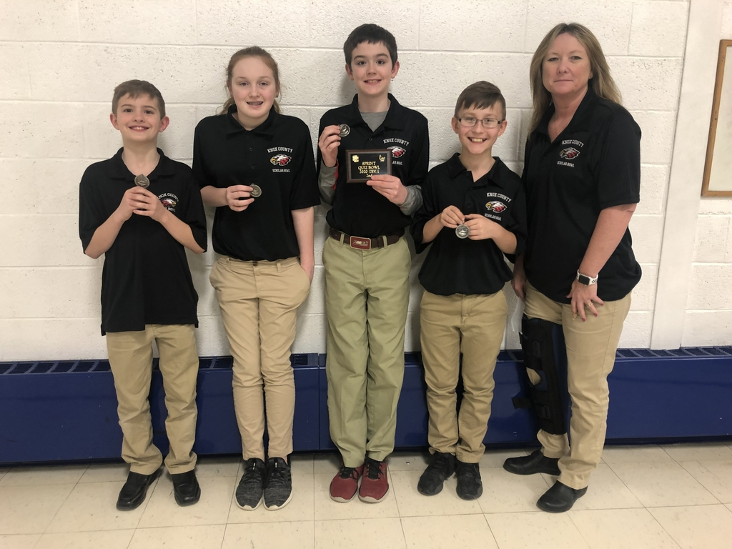 6th grade Scholar Bowl team placed 2nd in the 5th & 6th grade division at the Scotland County S.P.R.I.N.T. Tournament on Saturday. pic.twitter.com/vshm9LxUNl