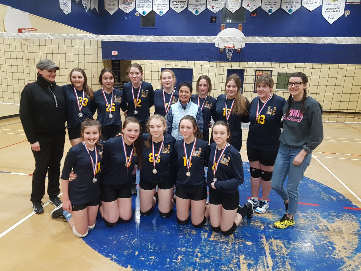 Congrats to our Gr 8 Girls Volleyball team in receiving the silver medal in their invitational tournament this past weekend pic.twitter.com/O6JN251Bq7