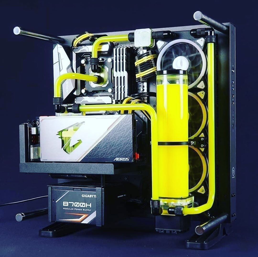 AORUS Gaming PC with a bit of lemon taste #pcbuild #pcgamer #pcgaming #pcmodding #pcmods #pcporn #custompc #desktoppc #dreampc #dreamsetup #PC #mod #gamingrig #gamingsetup #gaming #gamer #pcwatercooling #watercooledpc #geforce #AORUS #GIGABYTE #TeamUpFightOnpic.twitter.com/NKMfPV6Jex