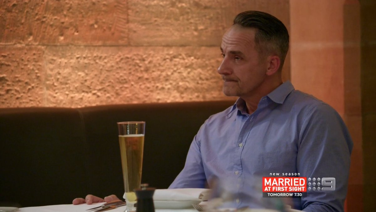Steve struggling to keep his eyes up here #MAFS