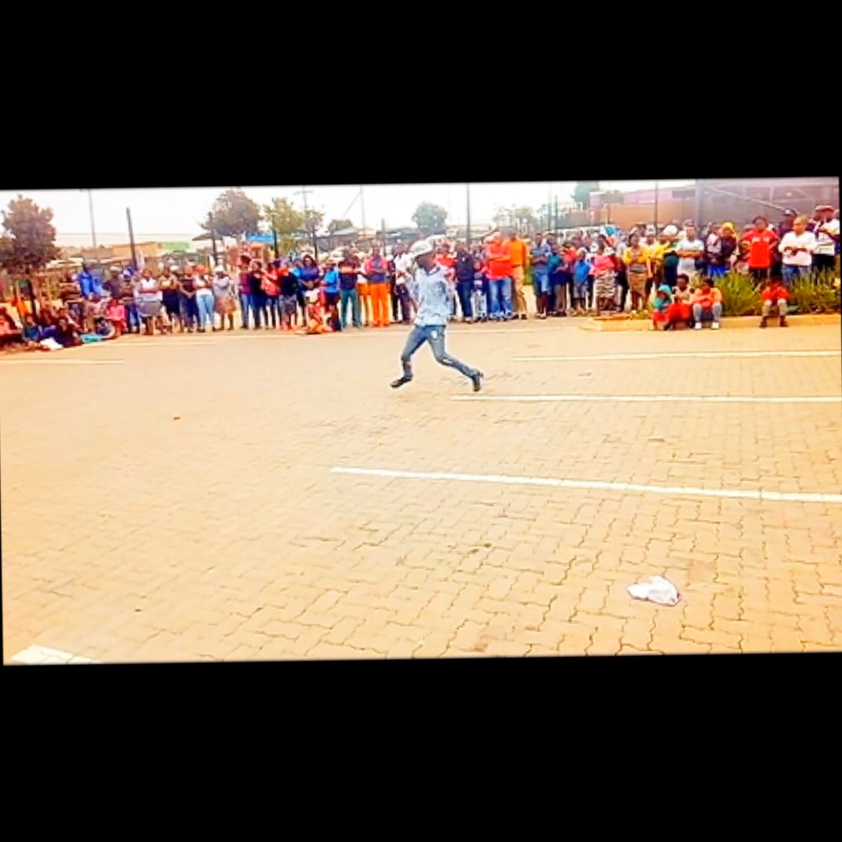My First Live Performance yesterday in front of more than 500 people at Midrand, Kaalfortein Corner was lit and Memorable #fmpstudio #theyanos #amapiano2019 #amapianomovement #amapiano #amapianoisalifestyle #dancevideos  #amapianodance #housedancepic.twitter.com/ytkQ92YkwP