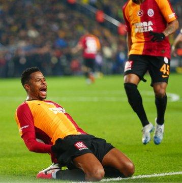 Galatasaray 'Böyle bir şey olabilir mi ya?' tişörtü bastırıyor
