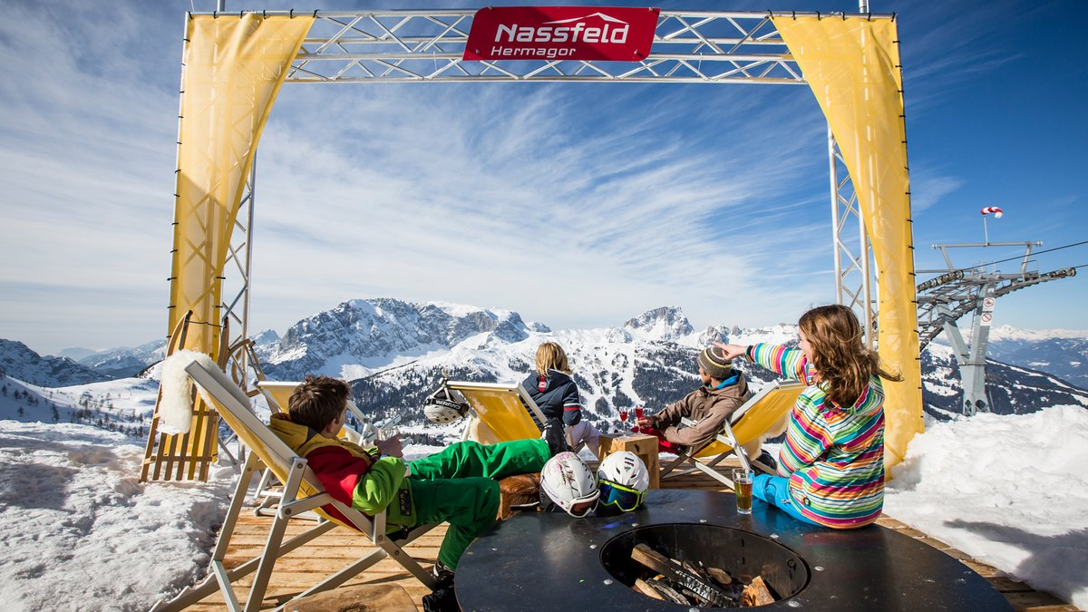 What a great spot to chill out and enjoy the view #ad _ 📍 Nassfeld, Austria https://t.co/KsSmEUWZj5