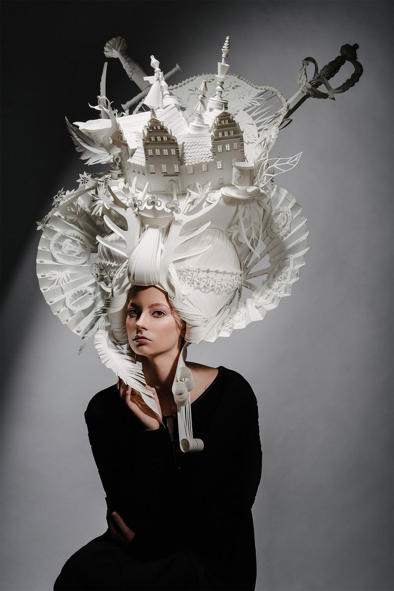 Miniature Seascapes and Cities Top Elaborate Paper Wigs by Asya Kozina and Dmitriy Kozin pic.twitter.com/OAziXHcZdX