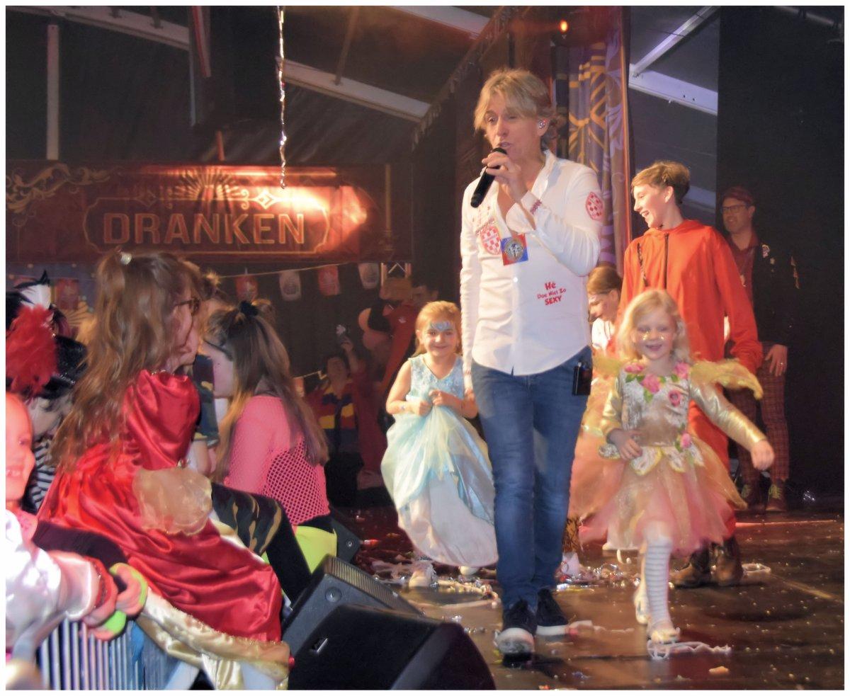 De foto's van het prachtige optreden van @schuurmansrene @melisound bij Ameezing in Nuenen staan in mijn fotoalbum http://jeanne-mathijssen.magix.net/pic.twitter.com/2ZxHawD2rR