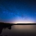 Image for the Tweet beginning: A spectacular starry sky is