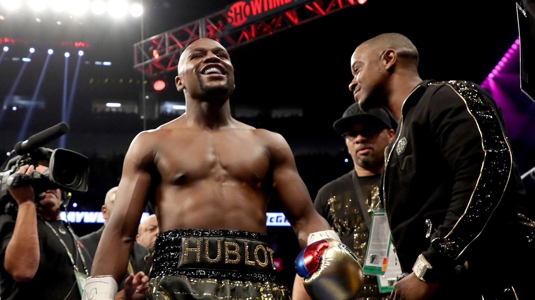 Happy birthday champ! Floyd Jr turns 43 Name a better pound-for-pound boxer