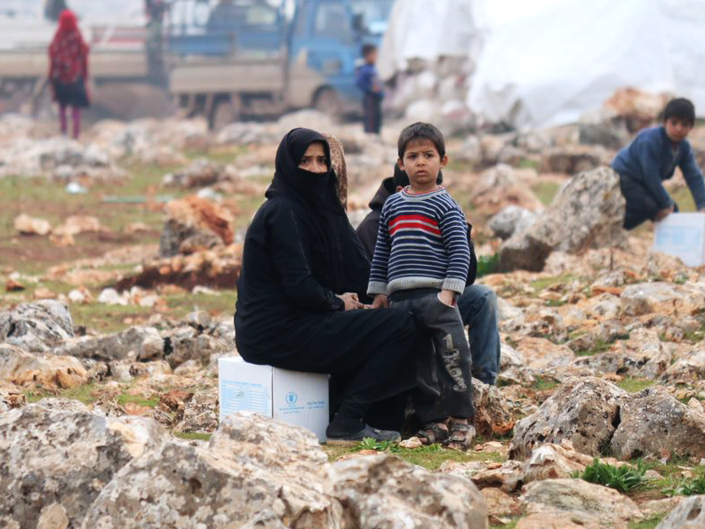 The plight of civilians caught in conflict in Idlib is desperate. @WFP needs an immediate end to fighting & access to those who are most in need. Elsewhere in #Syria: more resources are needed to support people who are facing a deepening economic crisis after years of conflict.
