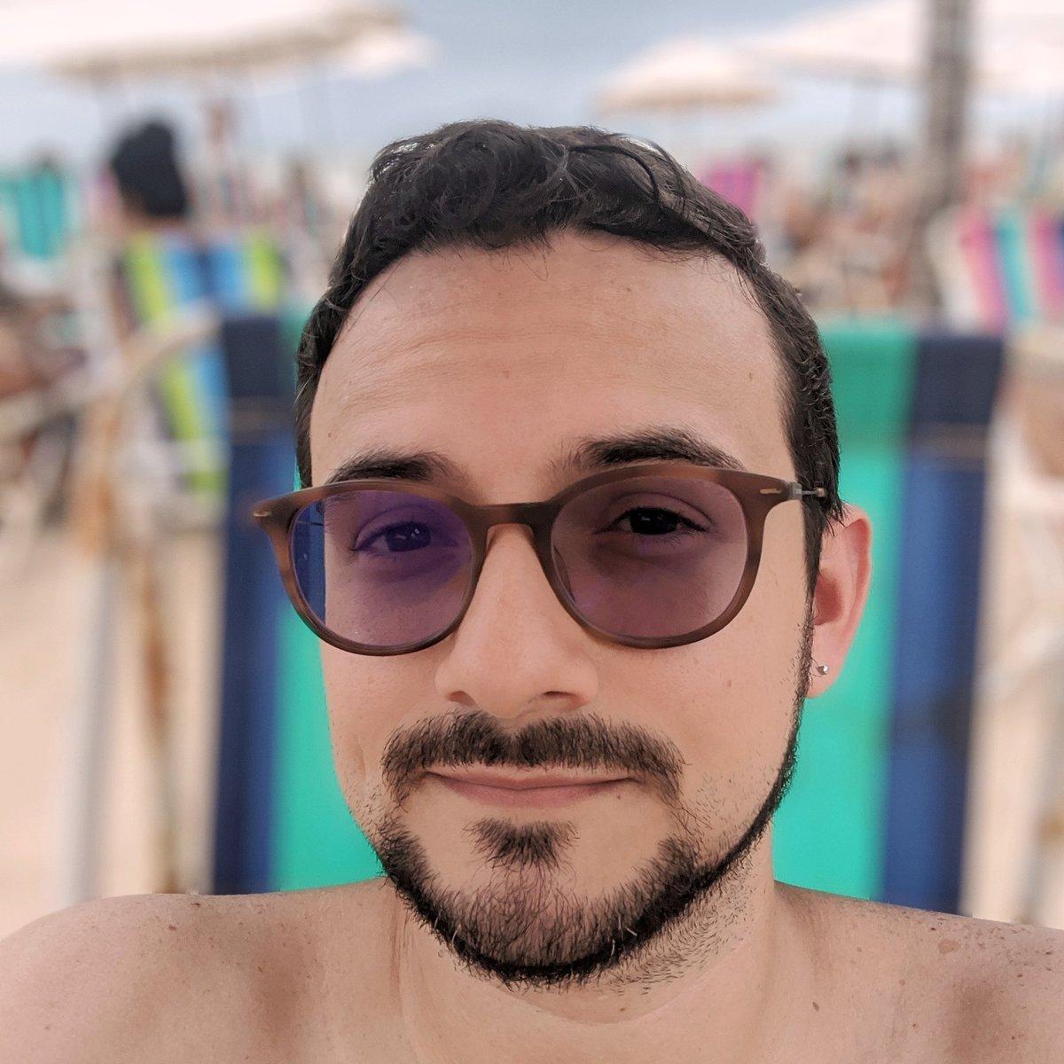Aquela foto distoante na praia pra deixar essa timeline bem diversificada 🌞 #beach #praia #pixel2