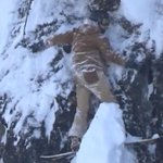 Image for the Tweet beginning: Terrifying video of a snowboarder