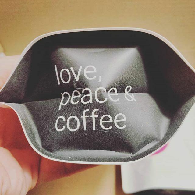 Dem ist nichts mehr hinzuzufügen. Ich wünsche euch einen schönen Montag und einen guten Start in die Woche. #loveandpeace #mondaymotivation . . . #coffeeteller #kaffeezeit #kaffee #wiesbaden #kaffeeliebe #kaffeeklatsch #coffeetime #coffee #coffeelover #b… https://ift.tt/2T4yiUcpic.twitter.com/zMnIBSgOGj