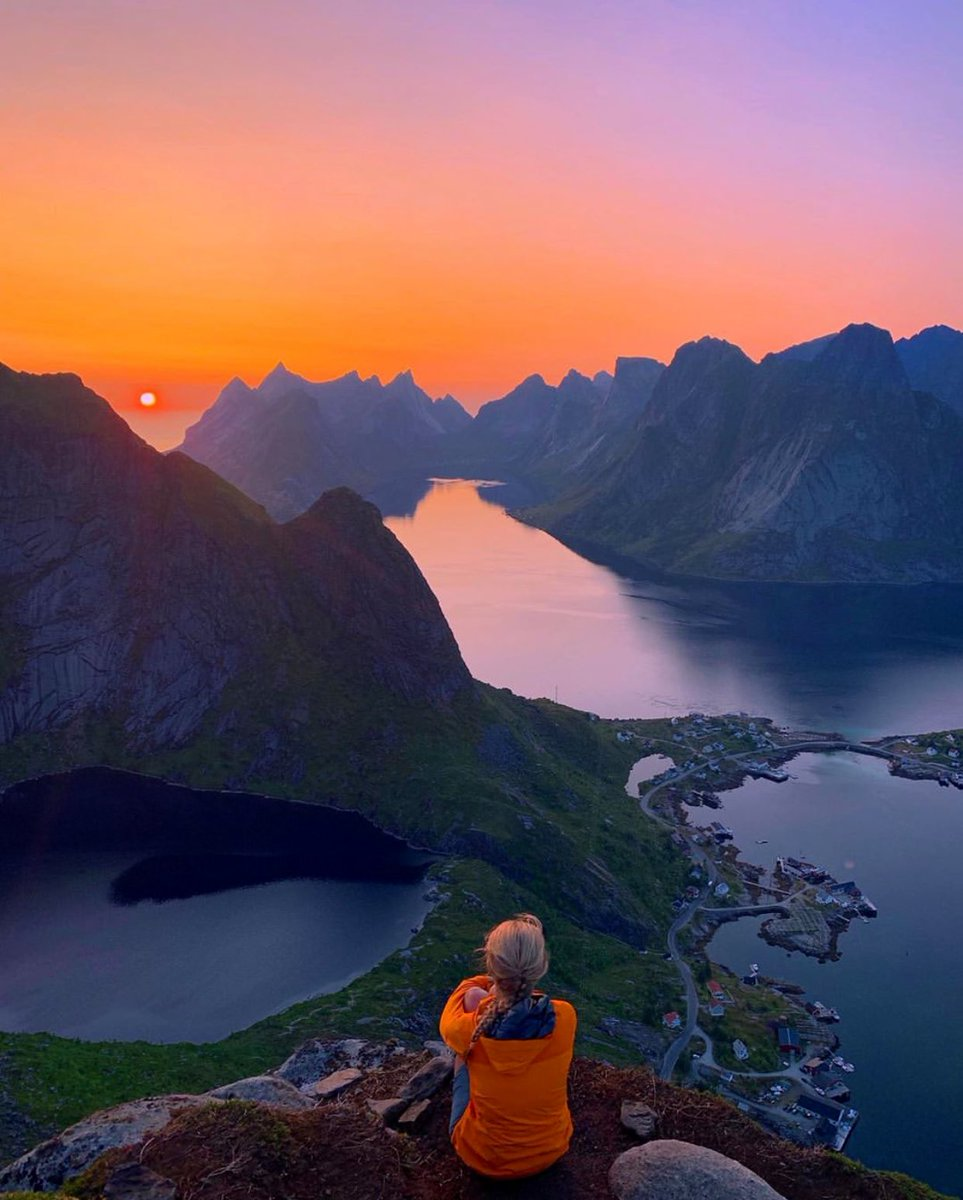 Sunset in Norway <br>http://pic.twitter.com/YU3XNQGcYF