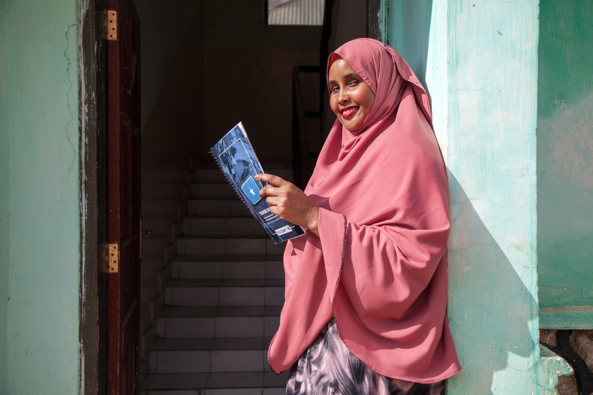 Fatuma is one of 5️⃣2️⃣ female lawyers trained on the law degree set up by @UNDP and Puntland State University. In 2012, only 1️⃣ of Puntland's lawyers was a woman! #SDG16 #SDG5 #accesstojustice #RuleOfLaw
