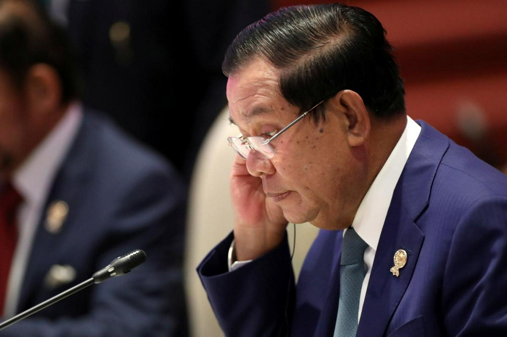 Cambodian PM offers tax breaks to factories hit by coronavirus, EU tariff losses reut.rs/38TcykY
