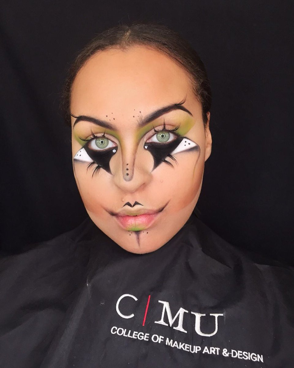 We are absolutely obsessed with this look! Stunning! 💚🖤  Makeup look and photo by CMU student, AJ Lamprecht  #theatremakeup #makeup #makeupartist