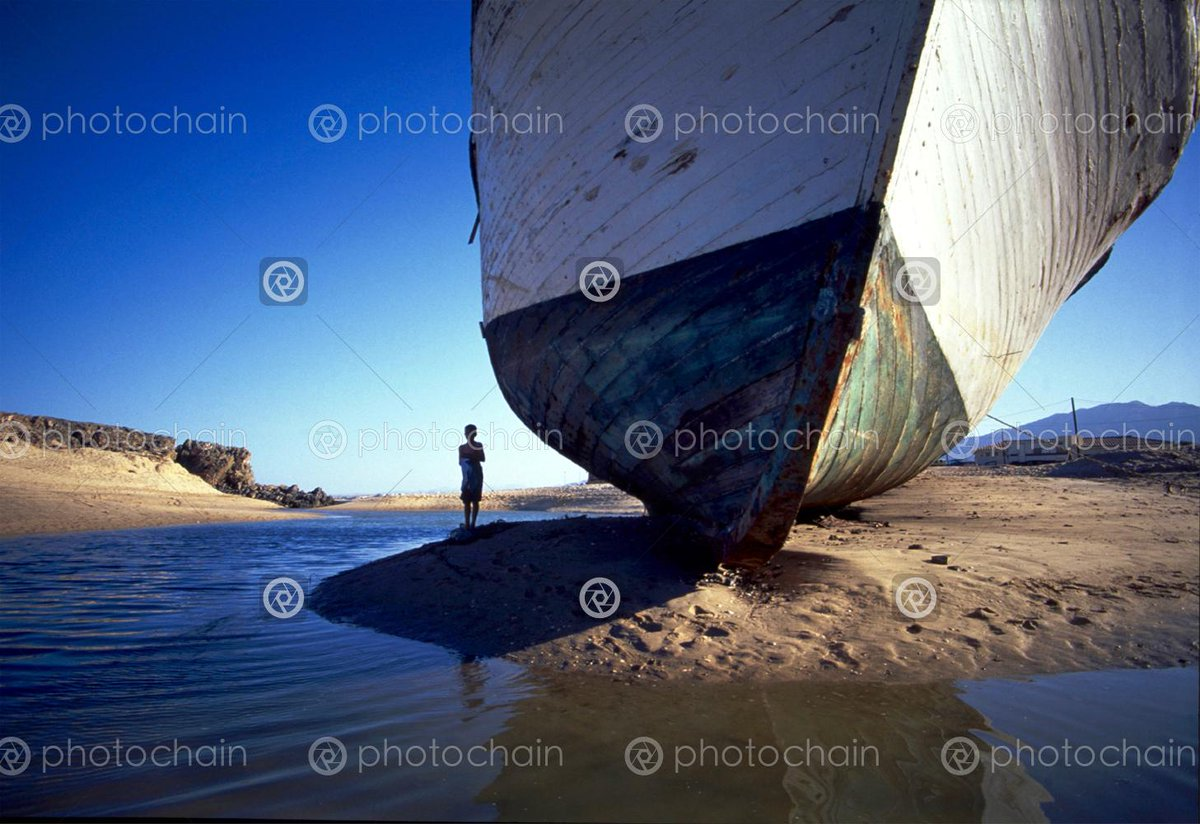 Trying to keep balance... Beautiful shots by our supplier Jason.  Photographer? - Join us and earn more!  #stockphotos #professionalphotographer #photographylove #photography #photograph #photographer  #boat #ship #lonely #stranded #wreck #shipwreck ##shipwreckbeach #oldshippic.twitter.com/jRov151K7i