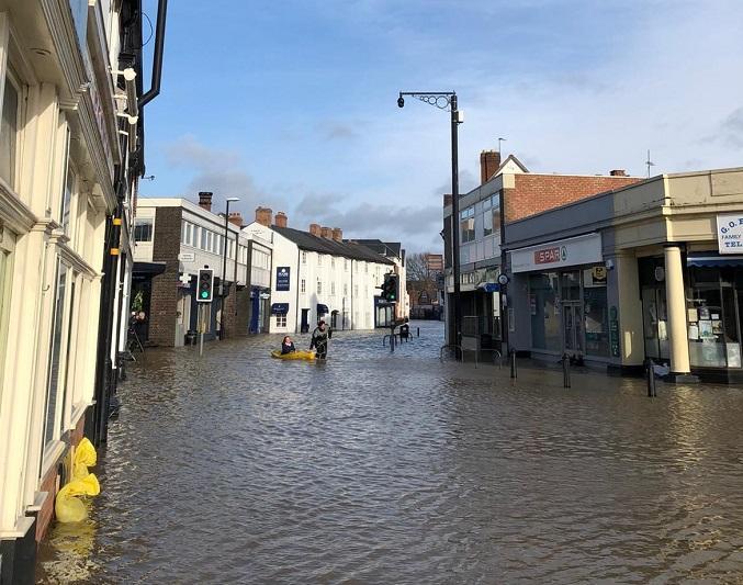 Longden Coleham in Shrewsbury a few minutes ago. #staysafe https://t.co/lQjfPELALw