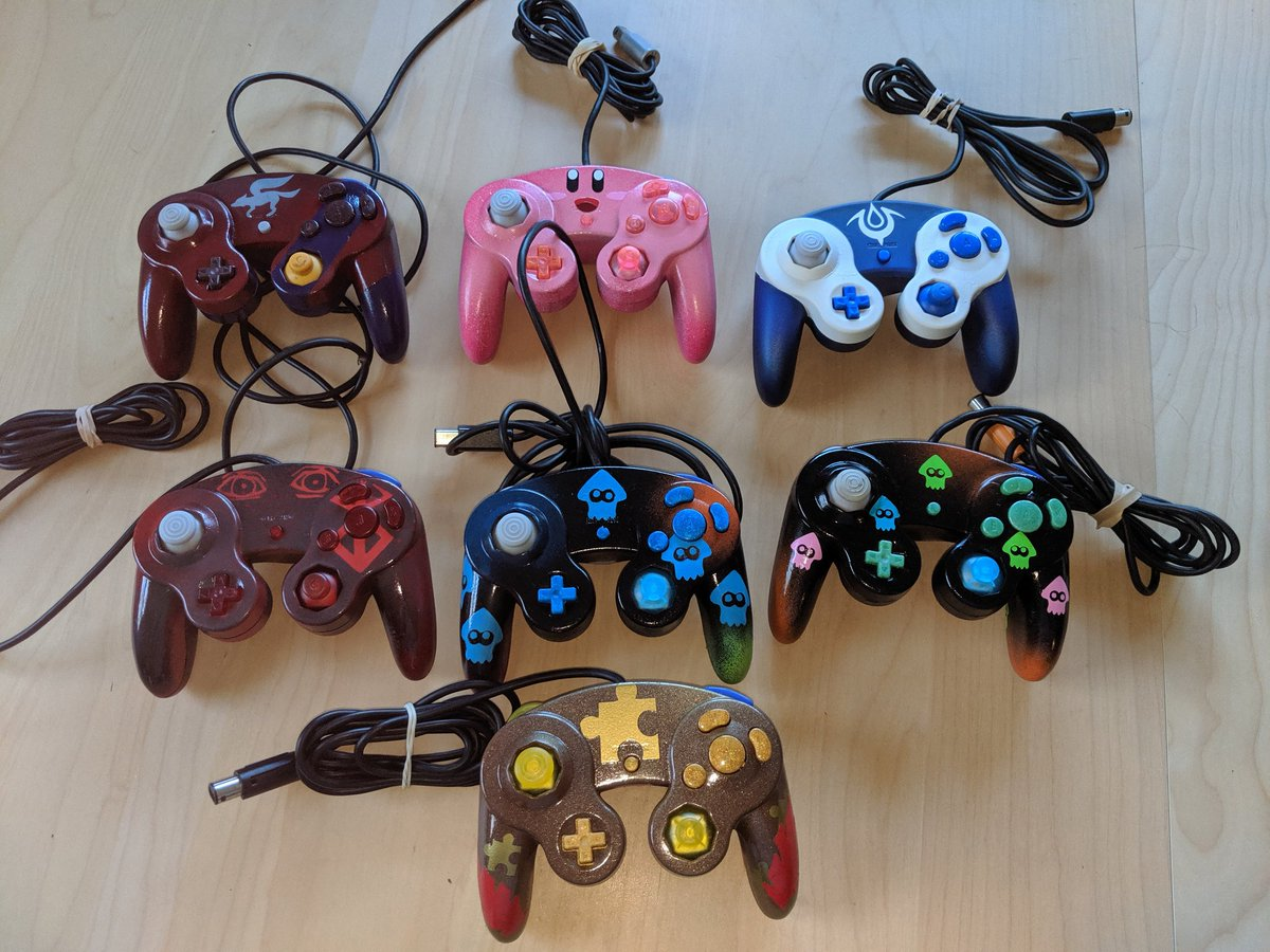 After mulling it over a few weeks I will have some controllers available for @CTGamerCon shown below.  I really wish I could have made more but I won't have new designs till Aug.  #SmashBrosUltimate  #customcontroller #starfox #kirby #Chrome #Splatoon  #banjokazzoie #berserkpic.twitter.com/Xb7anXS2lK