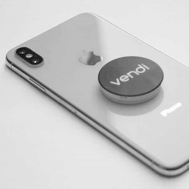 Look at this iPhone XS that we have available on vendi right now. Excellent condition, though the popsocket is negotiable.  Check it out right now:   #iphone #iphoneonly #iphonesia…  📸  via