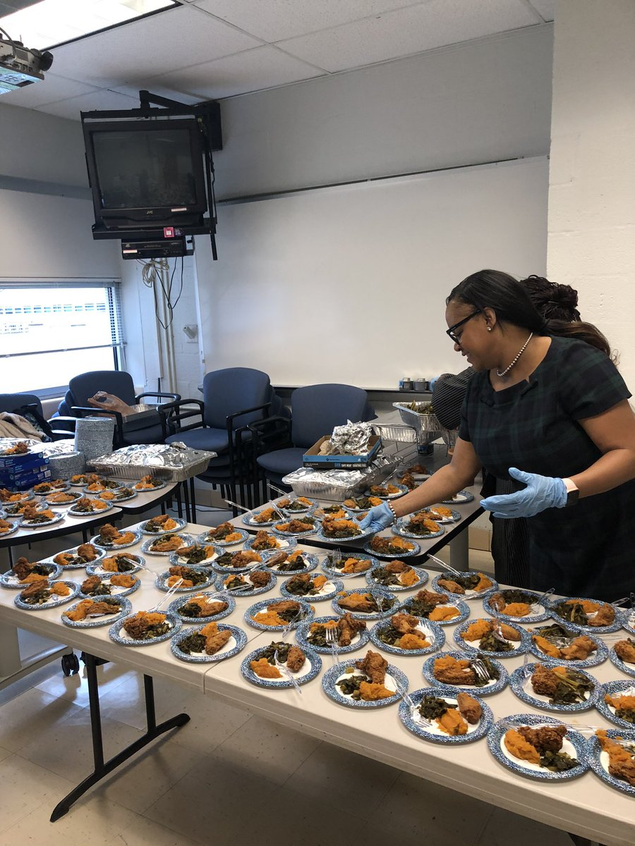 """WMS celebrates Black History month with a """"Taste of Soul food"""" for  students. <a target='_blank' href='http://twitter.com/BoykinBryan'>@BoykinBryan</a> <a target='_blank' href='http://twitter.com/APSVirginia'>@APSVirginia</a> <a target='_blank' href='https://t.co/GrJclCgZ6p'>https://t.co/GrJclCgZ6p</a>"""