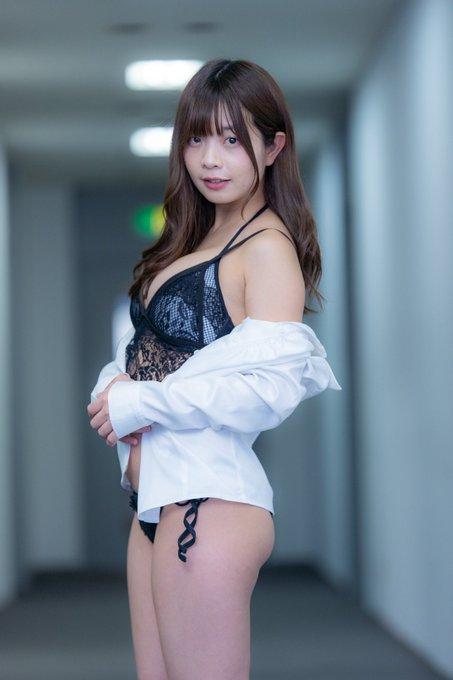 グラビアアイドル柚月彩那のTwitter自撮りエロ画像33