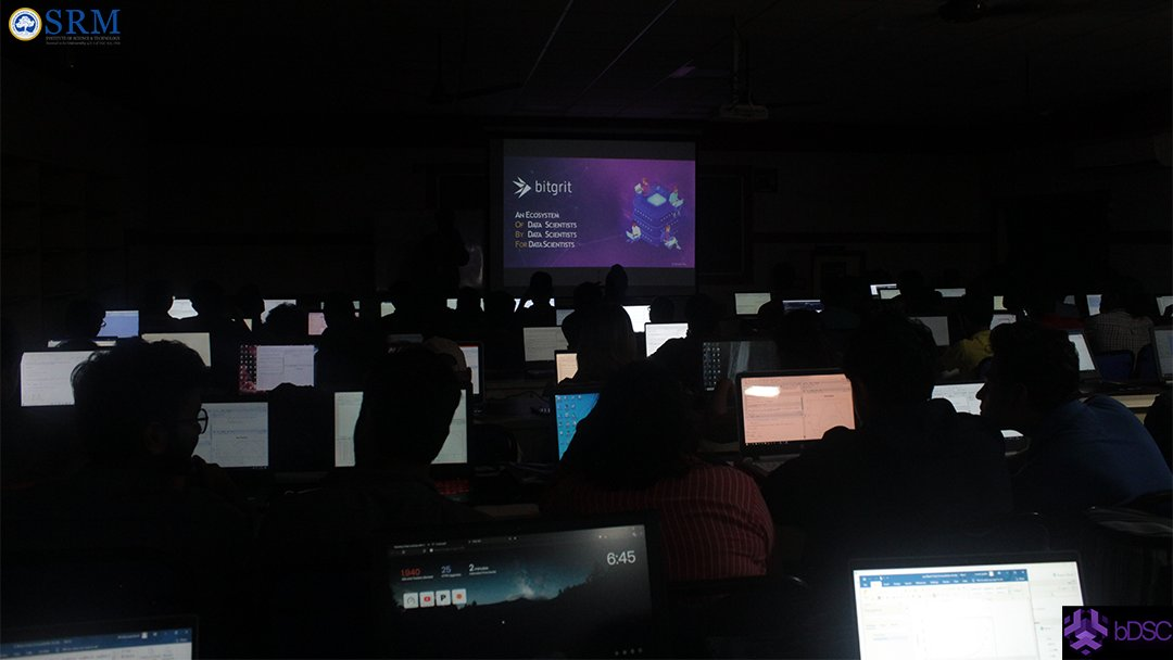 The #bitgrit ecosystem and #competition platform was introduced and a vey responsive session on #Data #Science with #R #programming was conducted for more than 120 students in our very first workshop.  @bitgrit_globalpic.twitter.com/FvQHvVgAEZ