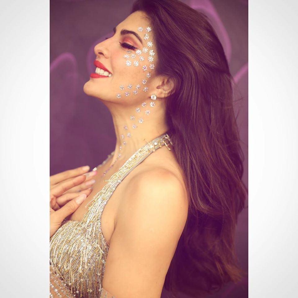 Replying to @Jacqueline_Fans: Breathtakingly beautiful JacQueen!! 😍😍