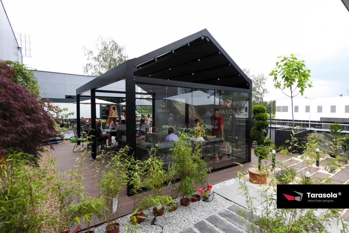 With an outdoor structure like ours, your restaurant can offer customers the perfect al fresco space that has the flexibleness to cope with the unpredictable climate ☀️🌧 #outside #sun #rain #anyweather #gardenroom #veranda #conservatory #luxury #luxuryliving #work #hardwork