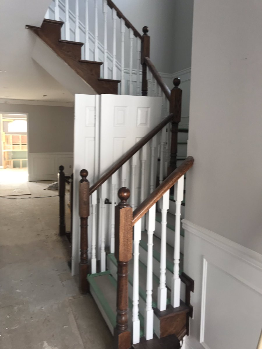 Estimating is a good indicator or work to come #hgtv #propertybrothers #hardwoodfloors #vintagefloor  #stairs #staining #torontolife #gta #interiordesign #vinyl #laminate #refinishing #toronto #commercialflooring #houzz #freeestimate #contractor #6ixBuzz #propertymanager pic.twitter.com/wN2dch0IpJ