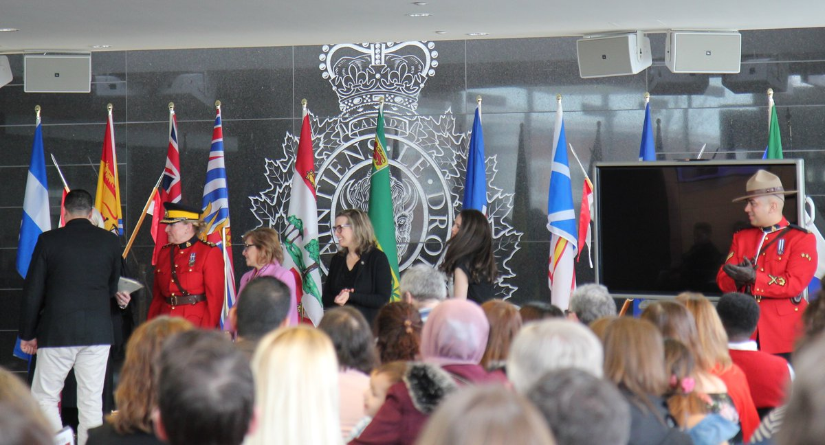 We were happy to have @CitImmCanada at RCMPNS Headquarters this morning for a special citizenship ceremony. During the event, A/Commr. & Commanding Officer Lee Bergerman congratulated & welcomed 40 new Canadian citizens. pic.twitter.com/7PKLy2Cmpy