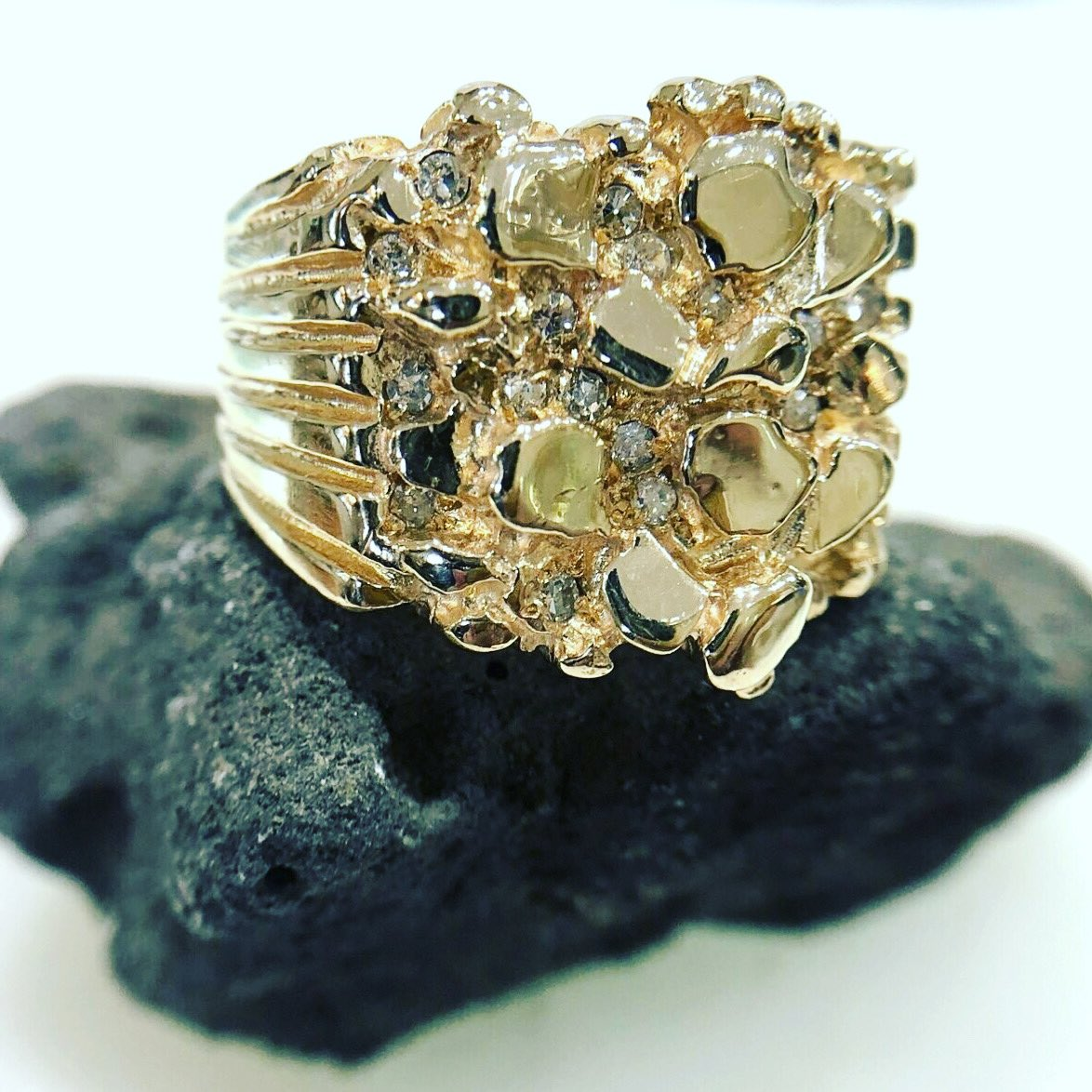 It's a #Monday gold rush! New to our #estate collection-14k yellow gold gent's nugget& diamond ring. 16.4 grams gold weight! #JimmyTheJeweler #BataviasBestJeweler #BataviaNY #vintage #photooftheday #fashion #style #swag #swagger #bestoftheday #nofilter #cool #throwback