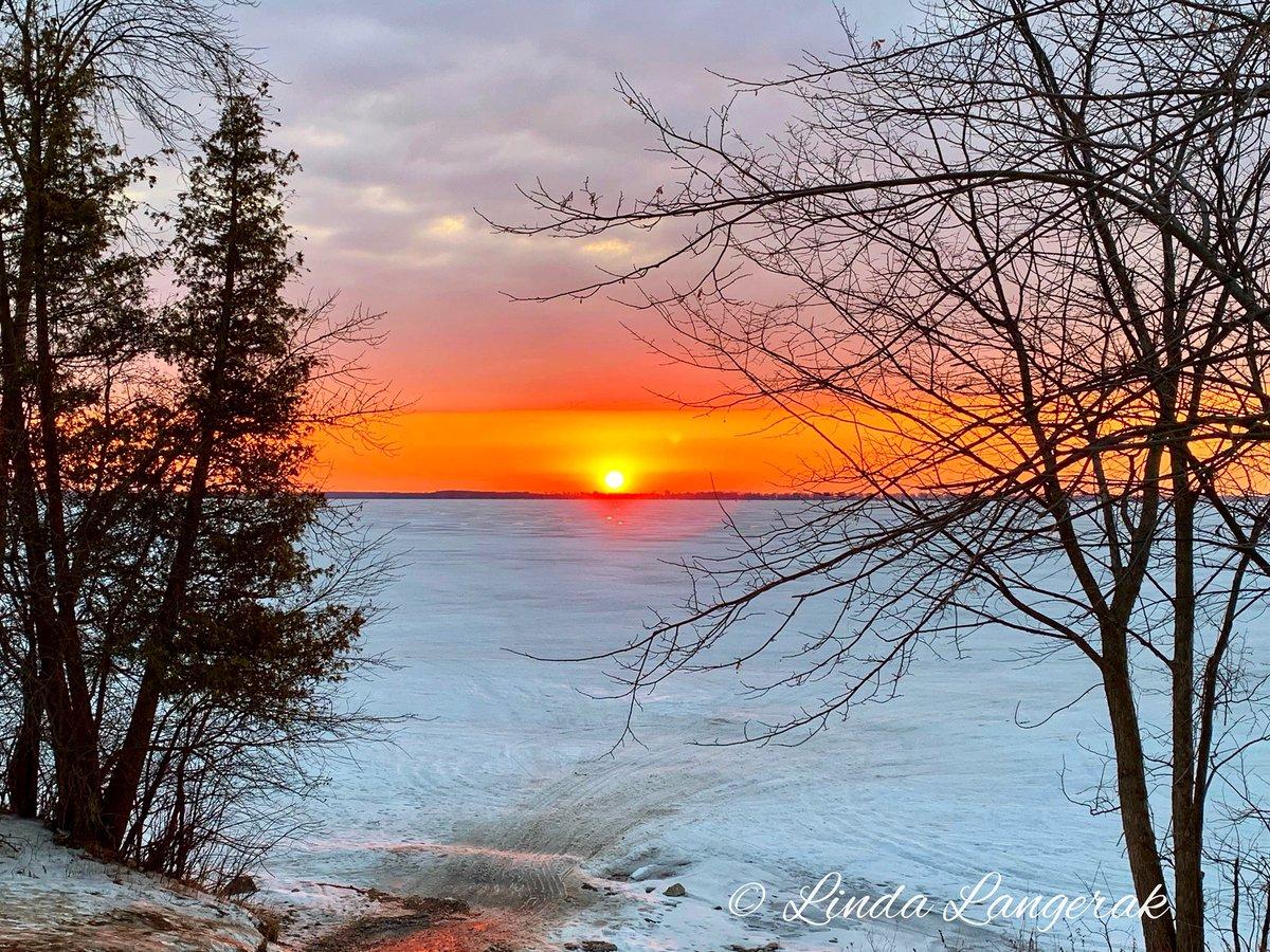 Last night's #sunset #lakesimcoe