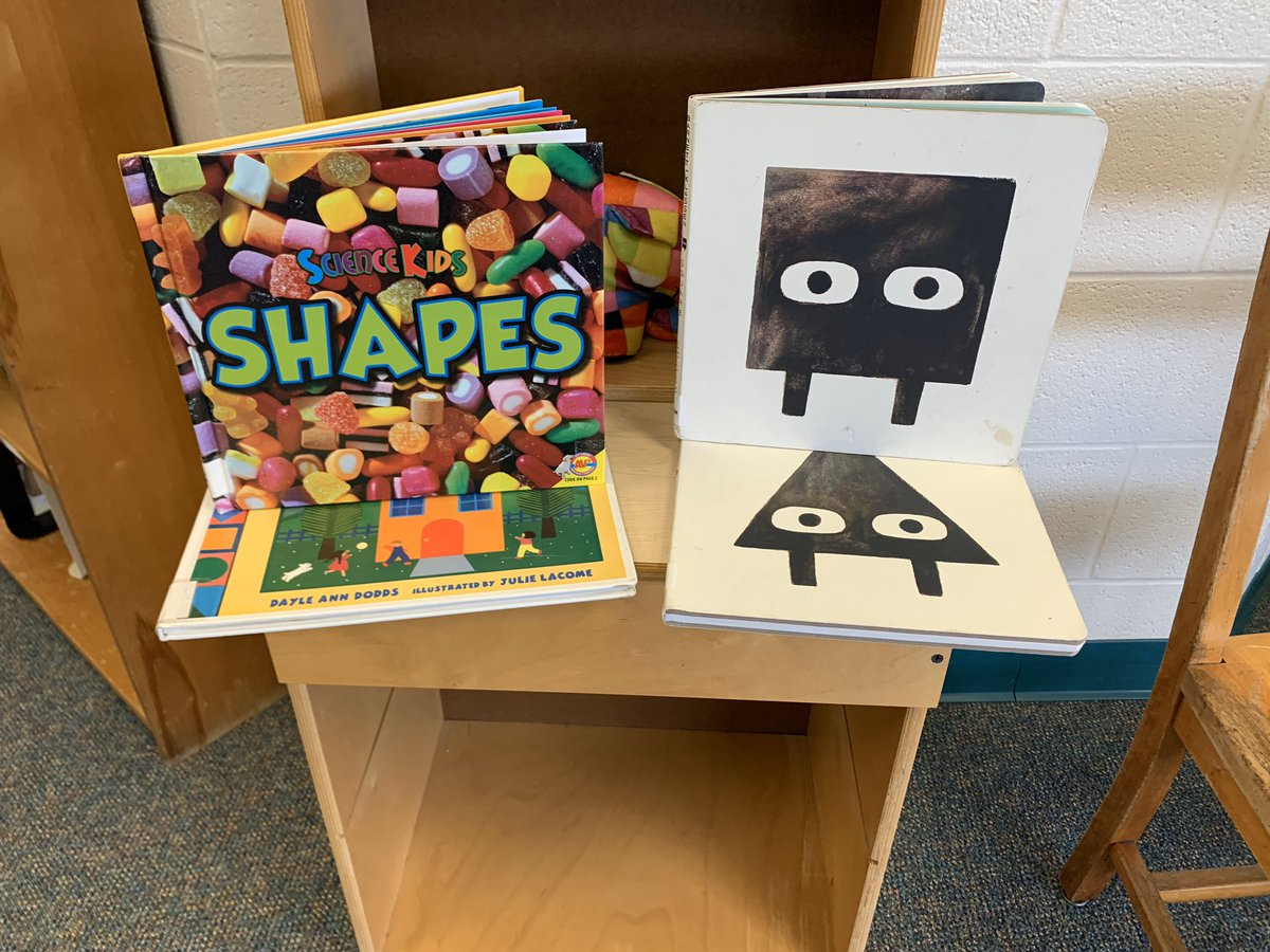 Kindergarten and 1st grade friends explore shapes! We read nonfiction and fiction books to start!<br>http://pic.twitter.com/tUltAUACl9